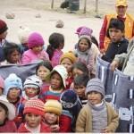 Oficina Regional de Defensa Civil entrega prendas de abrigo a comunidades de Yauyos caneteenlinea.com